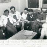 Zespół Kliniki po pierwszej udanej transplantacji serca roku (1985). Od lewej: Z. Religa, B. Ryfiński, B. Kominek, P. Czerwińska-Dziemian (pielęgniarka), A. Bochenek, J Wołczyk, E. Łubek-Wilczewska (pielęgniarka), R. Cichoń (fot. S. Jakubowski)